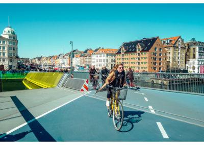 Kopenhaga_Nyhavn w tle