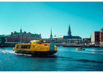 Kopenhaga_wodny tramwaj_gielda_parlament