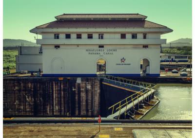 Panama_Panama City_Canal (5)