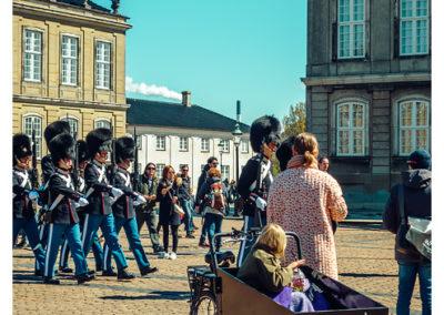 Kopenhaga_Amalienborg_zmiana_warty